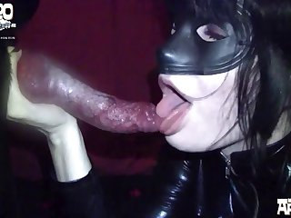 Freshen Up And Hookup With animal sex & Honey Gold Video-01